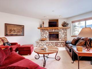 LOOKOUT RIDGE Dog-Friendly 3 Bed/4 Bath Townhome with Garage and W/D, Located Near Ski Areas, Dillon