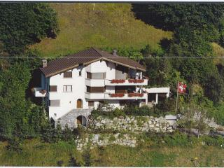 Exclusive Maisonette Apt. with fantastic alp view, Klosters