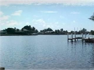 Waterfront 3 Bed, 2 Bath South Facing Pool Home, Marco Island