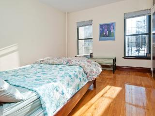 Nice 2 bedroom 1 baths minutes to Time Square, New York City