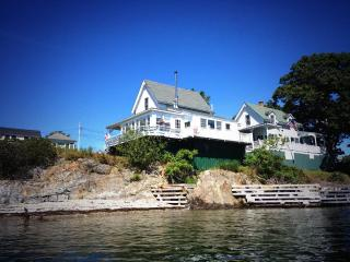 Picturesque Victorian Cottage on Merriconeag Sound, Harpswell