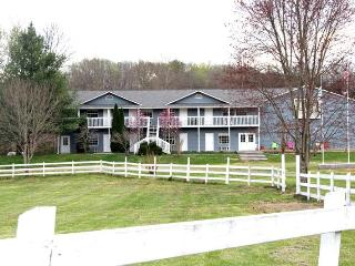 Large Groups ~ Lodge, Affordable, Family Friendly, Dandridge
