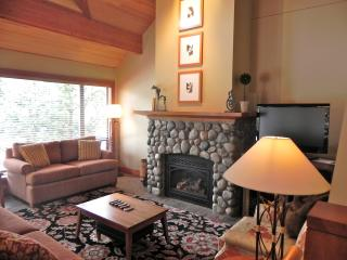Beautiful Whistler Condo, Steps to Upper Village
