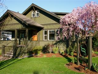 Oberon -Second Spring Property 1-3 Bedroom Luxury Rentals in Downtown Ashland - Ashland vacation rentals