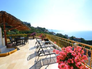 Plan Your Vacation Here-Luxury Villa in Conchas Chinas with Pool, Puerto Vallarta