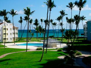 Playa Turquesa Ocean View 3 BR  with Gas Grill!, Punta Cana