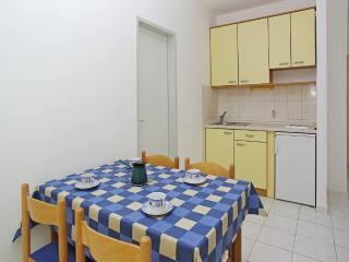 2979 - Apartments Deniza, Bol