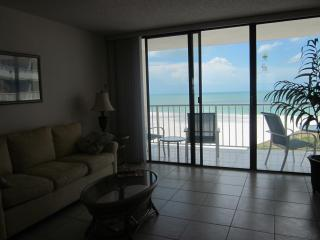 Beautiful views from 18th floor condo with free WIFI, Marco Island