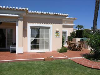 Casa Isabel - modern 4 bed villa with garden, Carvoeiro