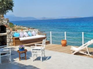 Private detached   Beach cottage, Bodrum City