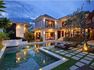 Luxury Six Bedroom Villa in Seminyak, Kuta
