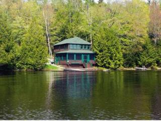 Charming Cottage right on Upper Saranac Lake