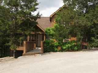 Mayberry Lodge-2 bedroom, 2 bath pet friendly lodge at StoneBridge Resort, Branson West