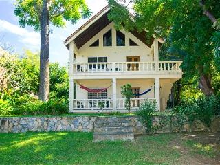 Yellow Flower House Upper YELLOWUP - Roatan vacation rentals