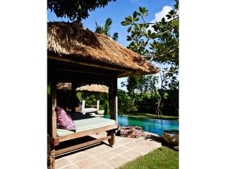 BOHEMIAN LUXURY IN YOUR OWN TROPICAL HIDEAWAY, Canggu