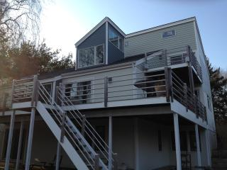 North Fork House with Private Beach Access, East Marion