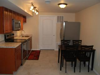 The Cottonwood 2 bed 1 bath furnished rental, Colorado Springs