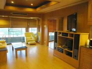 VT1 Thaistyle 1bedroom by pete service apartment, Pattaya