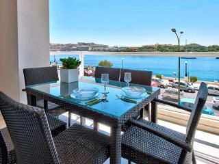 Astounding Views Tigne Seafront 4-bedroom Ap, Sliema