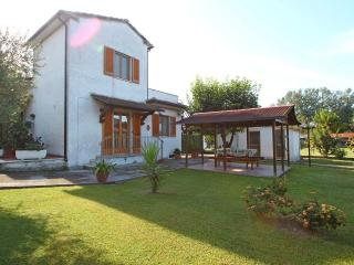 Vacation Home in Montignoso near Sea - Tuscany - Tuscany vacation rentals