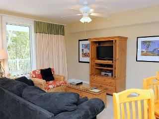 Adorable 1 bdrm condo on the 2nd floor of Pilot House! Free Shuttle Included!, Sandestin