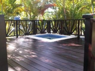 Beautiful 2 Bed 2 Bath Villa with Plunge Pool, Sunset Crest