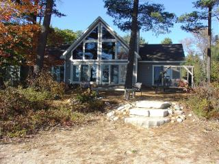 Beautiful Lake Front Cottage in Northern MI, Gaylord