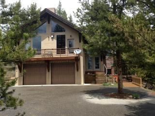 Spacious Mountain Home, Sleeps 12, Tabernash