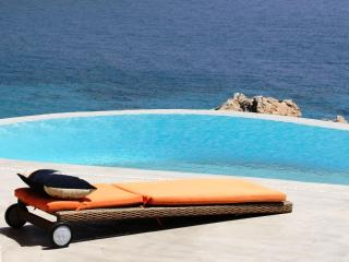 Agrari top - Amazing Villa 200m from Agrari beach - Mykonos vacation rentals