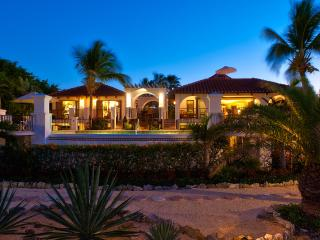 Casa Grande. Grace Bay beach, Turks and Caicos, Providenciales