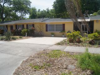 Prospect Ranch-5 min 2 beach, Downtown, Clearwater