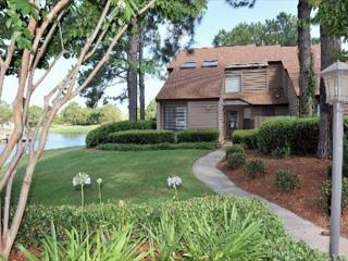 Relax With Wonderful Lake Views In This Fantastic Villa! Free Shuttle!, Sandestin