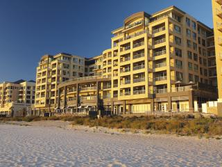 Executive Escape at Beachfront Glenelg