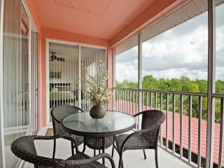 New! Walk to the Beach 3 Bedroom, Pet Friendly., Napels