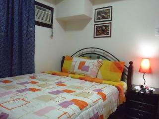 Fully Furnished 1BR Condo + WiFi, Makati