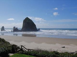 Haystack Close North, Cannon Beach