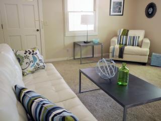 Stylish Cozy Casa in Downtown Paso Robles  2B / 2B