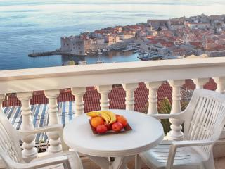 Apartment with beautiful view in Dubrovnik A1