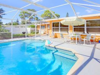 Aurora Seabreeze Home - Fenced Yard, Heated Pool - Wifi, HDTV, Venice