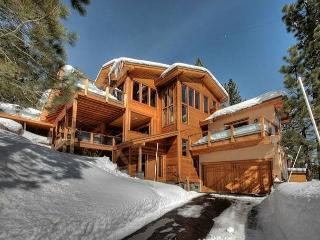 Ultimate Squaw Valley Luxury Home - Available for Holidays, 7 Night Minimum, Olympic Valley