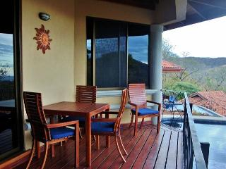 Hermosa Heights 34 - Spacious Villa with Beautiful View and Private Pool, Playa Hermosa