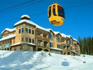 *Fantastic Ski in & Ski Out-Luxury * SouthPoint #2, Big White