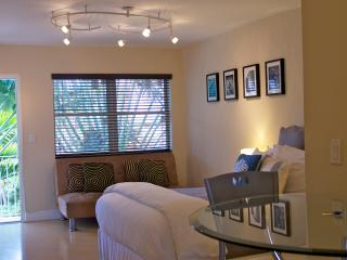 Daily housekeeping-Studio SOBE-PARKING INCLUDED, Miami Beach
