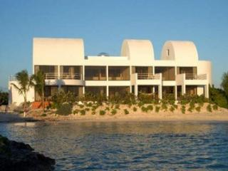 Covecastles - The Point, Anguila