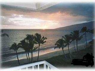 Beautiful ocean view condo located in Kihei, Maui.