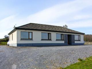 FLAGGY SHORE, pet friendly, with open fire in New Quay, County Clare, Ref 4621, Bell Harbour
