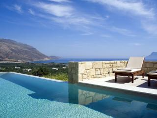Villa Oneiro, luxurious lifestyle at Its best, Trachilos