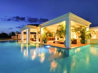 Ambiance - New hillside villa with pool & ultimate ambiance, Terres Basses
