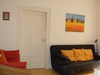 Vacation Apartment in Heidelberg - 581 sqft, disabled and family friendly, central location (# 166)