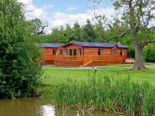 OAK LODGE, romantic, luxury holiday cottage, with pool in Beaconsfield Holiday Park near Shrewsbury, Ref 7934